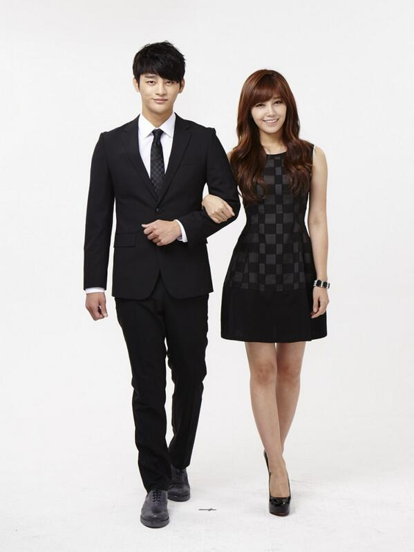 jung eun ji seo in guk dating Jung eun-ji won the rising star award for her work in 'reply 1997' at the 1st k-drama star awards she additionally won best couple, best ost, and top 10 style icon awards with her co-star seo in-guk in 2012.